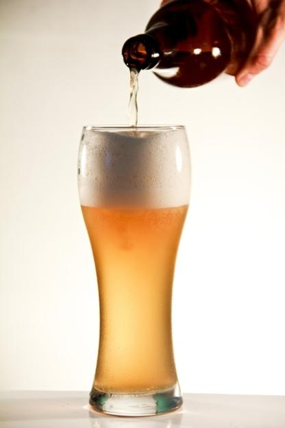 Cerveja artesanal Pé Grande - Uma American Wheat feita pela Cerveja Monstro.